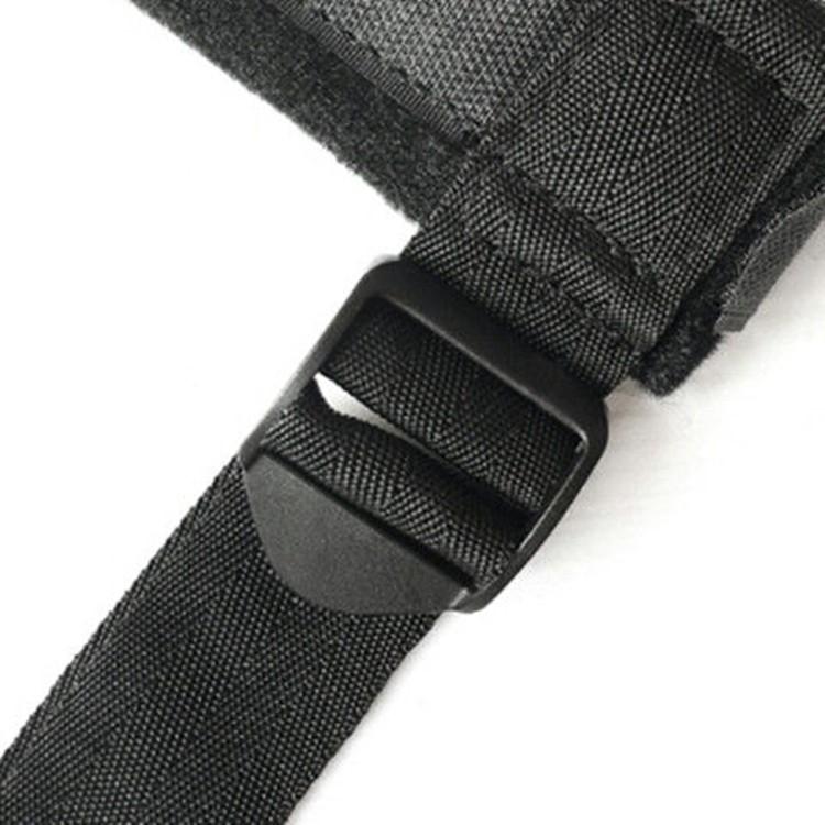 Lavet med spænder så I selv kan justere længder - Bondage sæt til hals og håndled